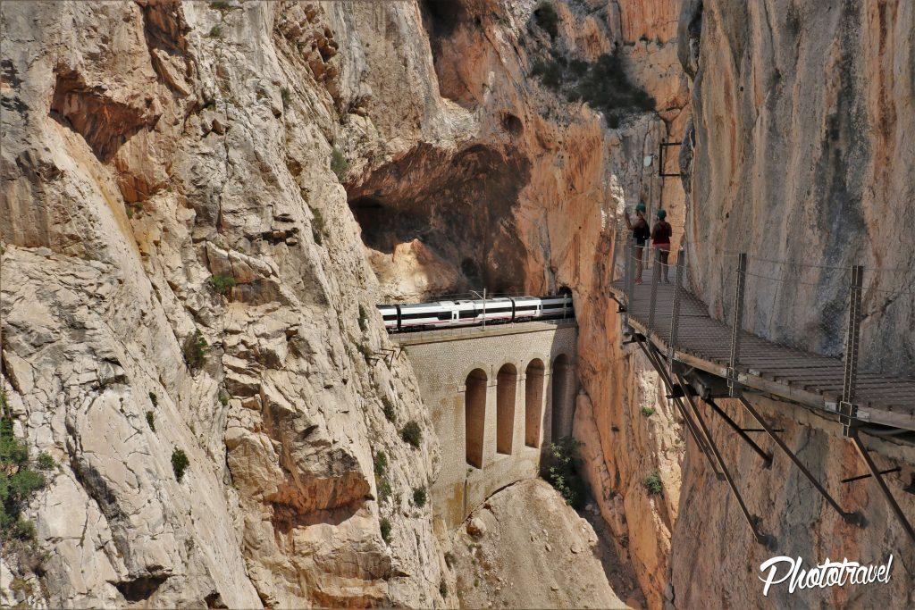 Tren de montaña caminito del rey