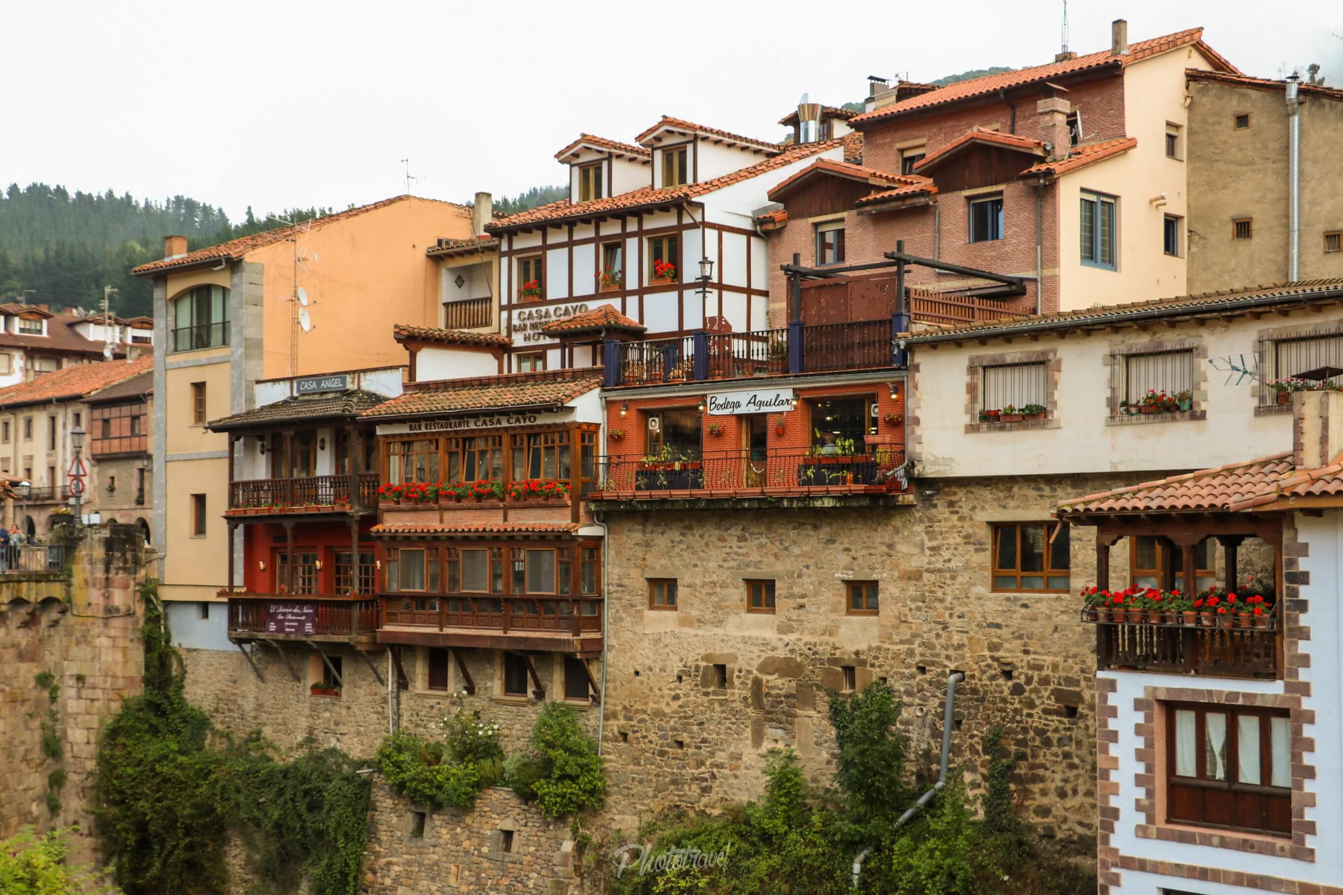 Balcones y vistas al rio - Potes