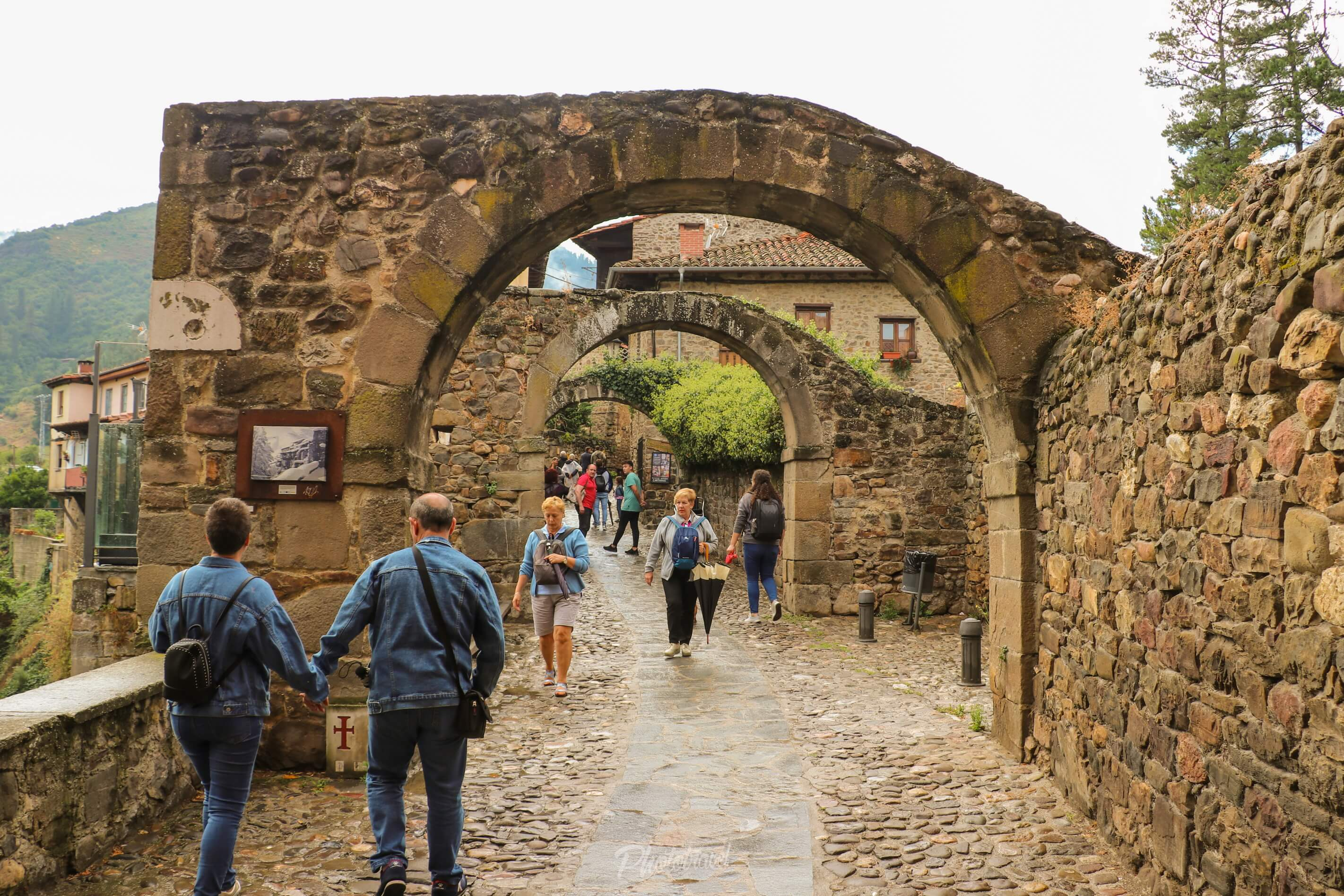 Calle Virgen del camino, Potes - Cantabria