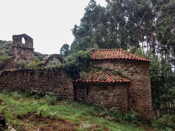 Las ruinas del Monasterio Santa María de Tina