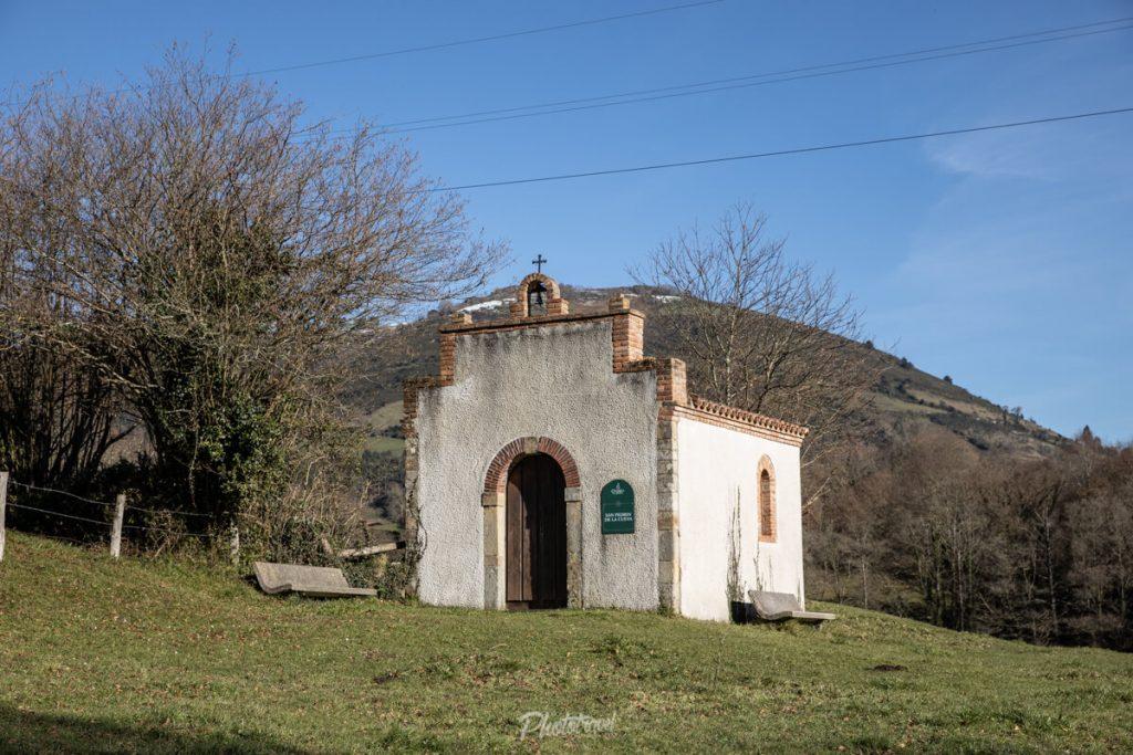 Capilla de San Pedrín - Sariego